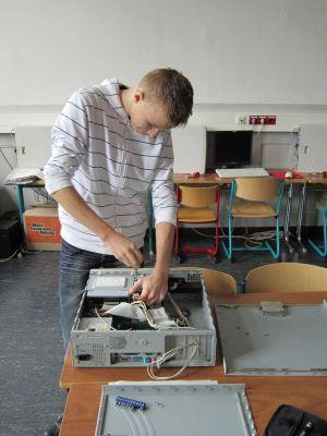 Unterstützung vor Ort an einer Frankfurter Schule